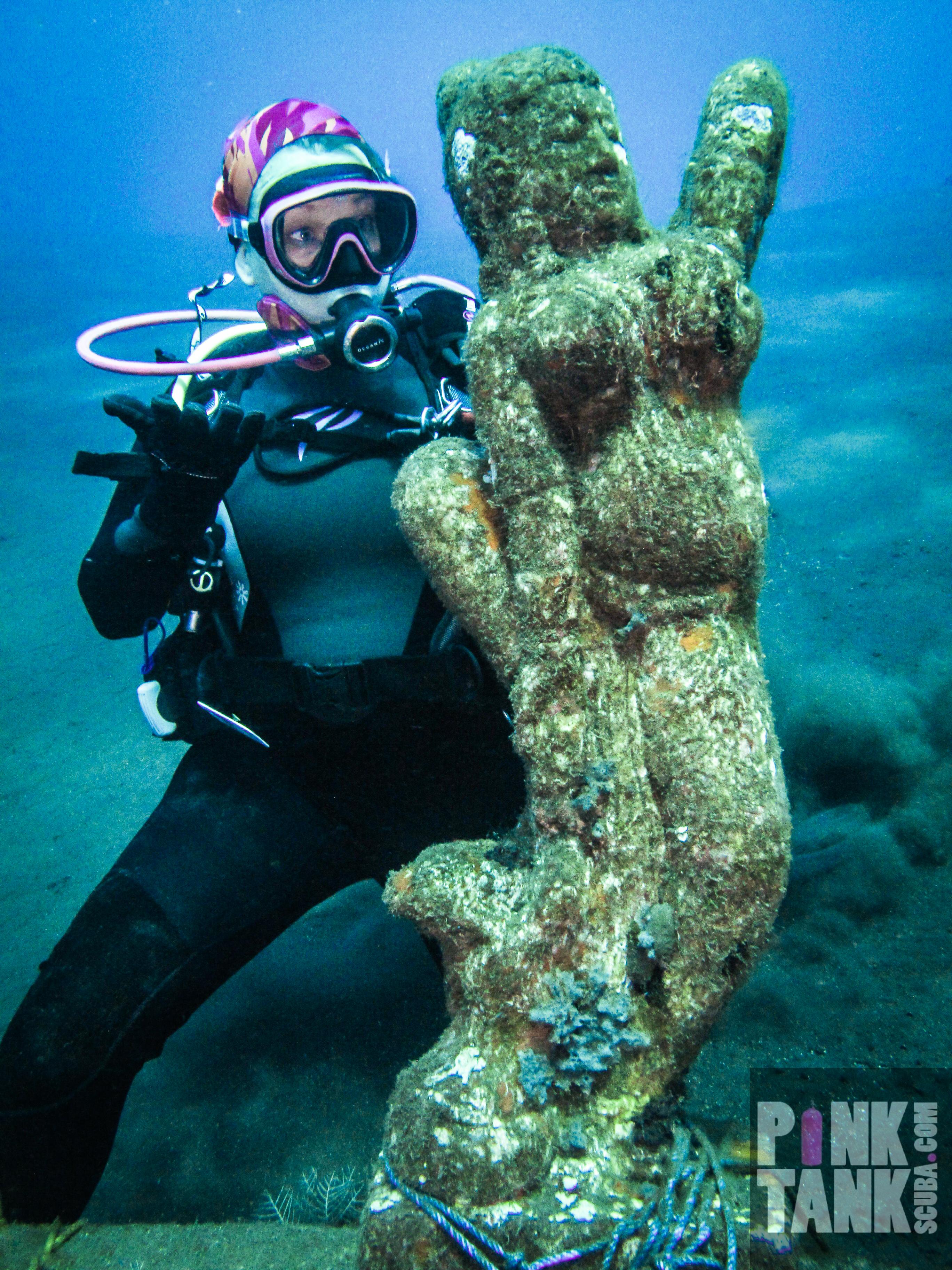 scuba lady nude