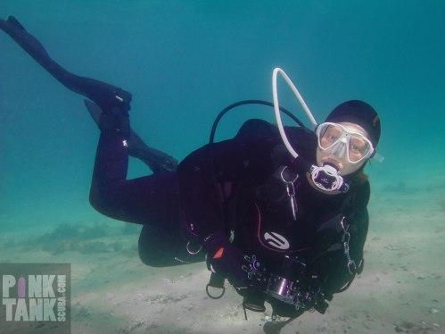 LOGO Diver Adriana full body landscape